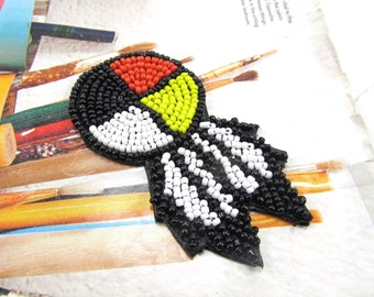 """1.5"""" Seed Bead Rosette with Feathers. 4 Directions Medicine Wheel Glass Seed Bead Circle. Native American Beadwork Craft Pattern. 2 Pcs"""