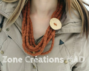 wool necklace, knitted necklace, big button necklace