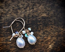 Bridal earrings, pearl and opal earrings, gold, rose gold or silver, bridesmaid gift
