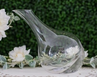 Engraved Vina Tilt Wine Decanter - (1x) Personalized Glass Decanter 63oz - Wedding Gift - Housewarming Gift - Newlywed Engagement Present