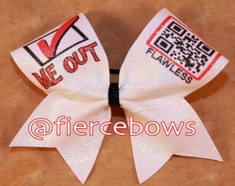 Check Me Out Glitter Bow