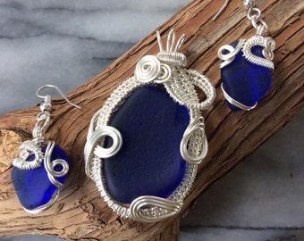 Blue Sea Glass Wire Wrapped jewellery set - Blue sea glass necklace & earrings / Genuine Sea Glass from PEI