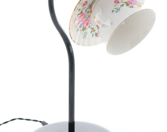 Vintage china teacup desk lamp
