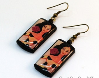 Flamenco earrings. Original, own illustration.