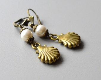 Earrings bronze pearl shell earrings