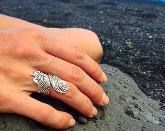 Nalu Sterling Silver Statement Ring with Elaborate Wave Design