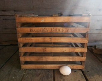 antique wooden egg crate  / Humpty Dumpty egg crate / primitive home decor / country kitchen