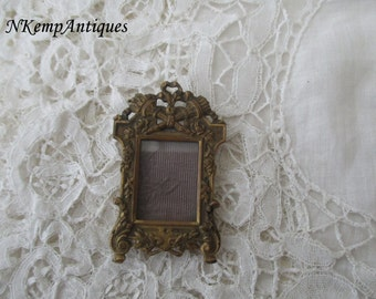 Antique french frame 1900 for the collector
