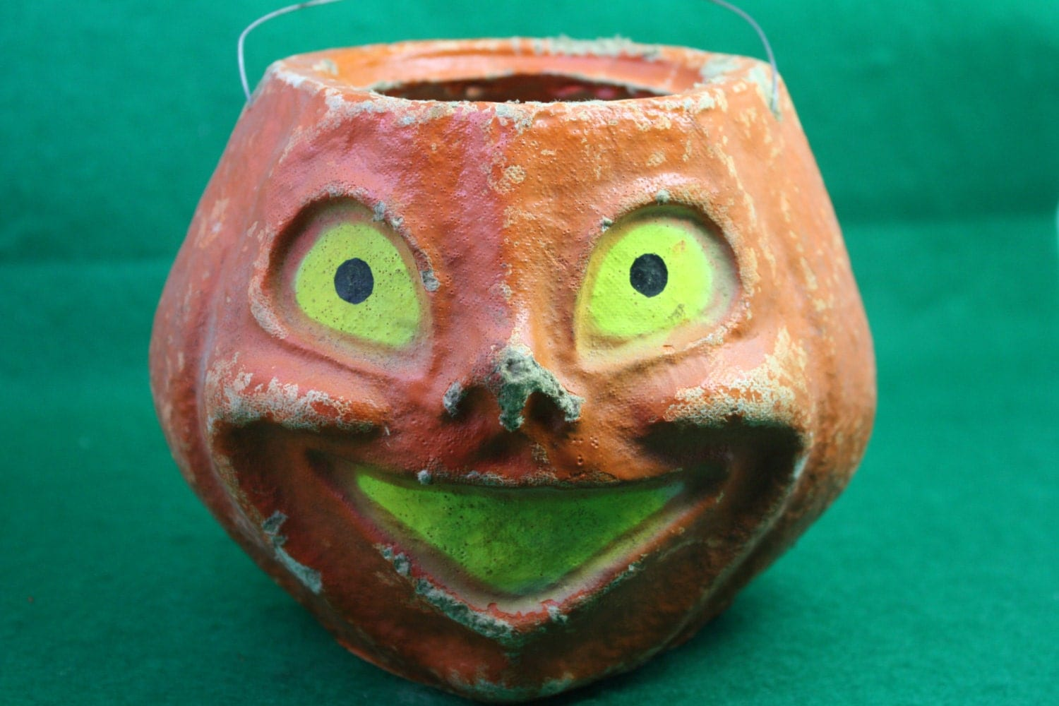 Vintage 40s great old paper mache jack o lantern for Papier mache lanterns
