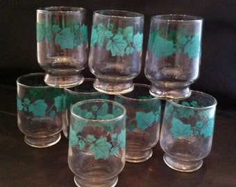 Vintage Set of 8 Green Ivy Federal Juice Glasses 1940 Mid Century Vintage Style Breakfast Dining