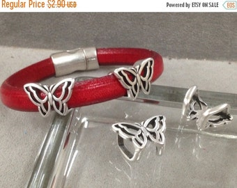 On Sale NOW 25%OFF Open Butterfly Spacer Beads For 10x6mm Licorice Leather Or 10mm Round Leather  Antique Silver Z917 Qty 2