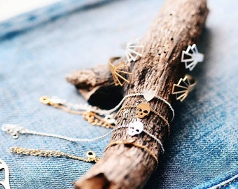 Tiny skull bracelet, Heart Bracelet, Tiny Heart Bracelet,  Dainty Bracelet, Delicate Bracelet, Simple Chain Bracelet, Layered Bracelet