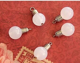 2 pcs Lightbulb Charms White Resine (3D) 25mm x 14mm (BR1738)