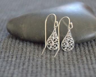 tiny filigree teardrop earrings, sterling silver, silver small dangle earrings, minimalist dainty earrings, everyday earrings