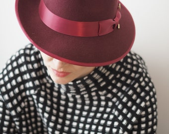 Burgundy Julia Trilby