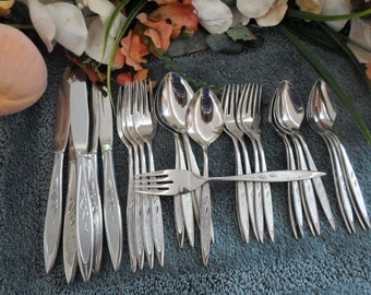 ROYAL HARVEST Oneida Rogers Premier Stainless 18/8 Usa 37pcs 5 Place Settings 8 Serving  Excellent Looks Unused