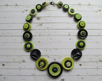 Button Necklace Dark Blue and Lime Green Button Necklace Button Necklace, Retro Vintage