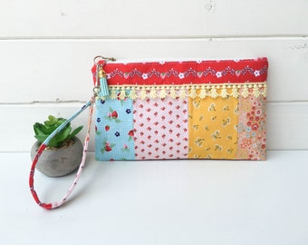 Zipper Pouch-wristlet- quilted -small purse- clutch-handbag- floral - strawberries - tassel - gift