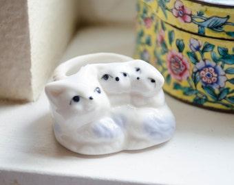 Vintage Antique Porcelain Ceramic Small Kitty Cat Ring Holder