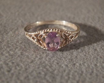 Vintage Sterling Silver Amethyst ring with Rope Edged band, size 8 Jewelry **RL