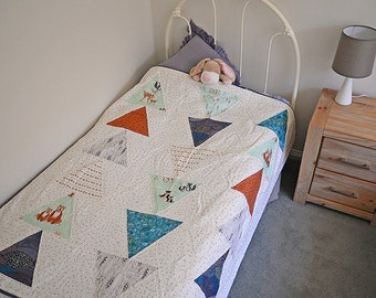 Hello Bear baby or toddler quilt to fit cot or single bed