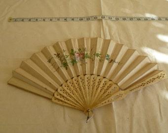 Antique, Vintage ladies silk hand painted fan.