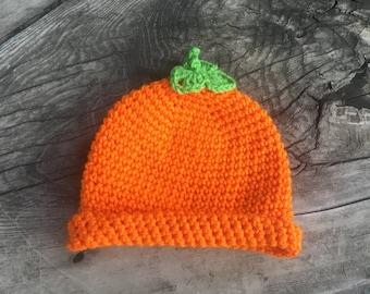 Halloween pumpkin beanie size 6-12 months.