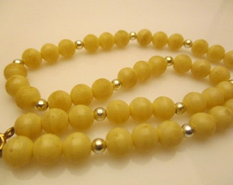 "Vintage Glass 8.0 mm Round Cream Beads Handmade Necklace 16.0"" Long"