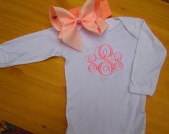 Personalized Monogrammed  Onesie and Bow set. The perfect way to Welcome Home Baby/ Girl Set