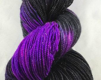 hand dyed sparkle yarn, hand dyed sock yarn, black fuchsia and violet yarn, spellbound yarn, yarn in handmade, hand dyed wool, stellina