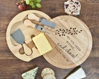 All You Need Is Love ronde fromage planche - plateau de fromages - la Saint-Valentin cadeau - ensemble de cadeau romantique - cadeau amusant - fromage - libre prestation