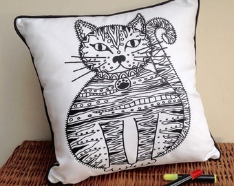 Cushion to colour in Cat Design Doodle Art Fabric Permanent Pens Adult Colouring Fun Activity Colourful Design Both Sides