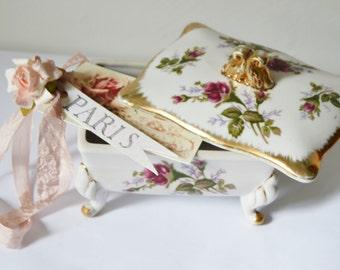 ROSES JEWELRY BOX Porcelain Trinket Box Elegant Victorian Cottage Home Lidded Storage Ring Box