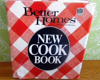"1982 Better Homes & Gardens 'NEW"" Cookbook.  Hardback book with 465 pages"