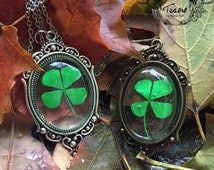 Real 4 leaves clover pendant, four clover pendant, four clover necklace, lucky pendant, lucky, botanical pendant, magic jewelry, witch jewel