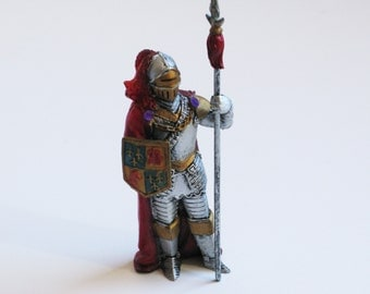 Knight with Shield Figurine - British Knight -   WowFactorCollectible