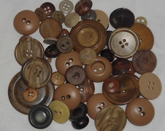 Vintage Lot of Asst. Brown Buttons - Sewing - Crafts - Artwork - Great Condition (23)