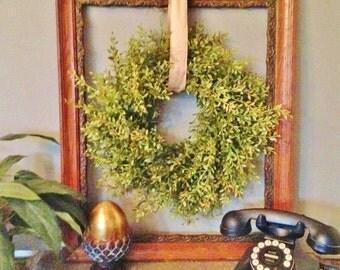 Farmhouse Wreath, Yellow Green Boxwood Wreath, Spring Boxwood Wreath, Artificial Boxwood Wreath, Joanna Gaines Wreath, Fixer Upper