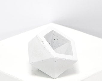 Mini Concrete Geometric white icosahedron