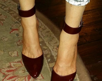 ox blood patent leather high heels with a gorgeous wide ankle cuff..ladies size 38 euro.. 8 US.. pretty patina ankle buckle..FREE SHIP!
