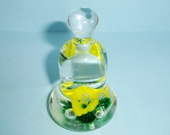 Joe St. Clair Glass Bell Paperweight Yellow Flowers With Green Accents and Controlled Bubbles 4.25 Inches Bell Shaped with Knob Handle