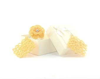 Ornament yellow corn