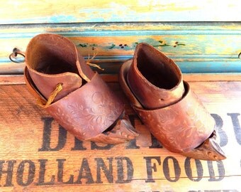 Antique Wooden And Leather Baby Or Doll Shoes