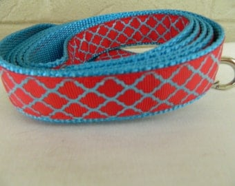 Aqua Quatrefoil Sparkle on Red Dog Leash