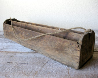 """Vintage Primitive Divided Wood Tool Box Caddy or Tray ~ 34"""" long ~Organizer ~ Box Caddy ~ Farmhouse Table ~ Wedding ~ Rope Handle"""