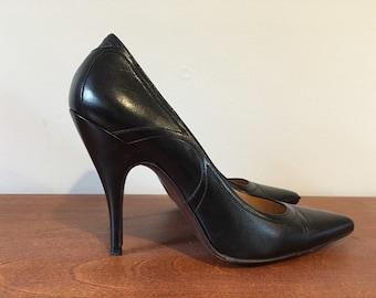 Bottega Veneta black leather heels size 8 pointed toe stiletto