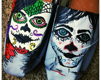 Custom made Day of the Dead/Dia de los Muertos Toms. Designed and personalized just for you!
