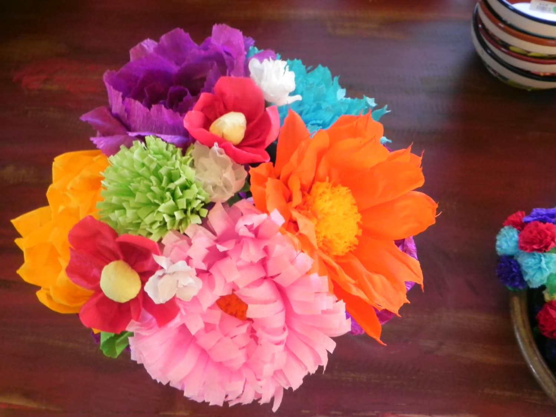 Bouquet Mexican crepe paper flowers Multicolor