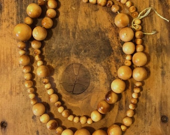 vintage WOOD beads 1940s various sizes