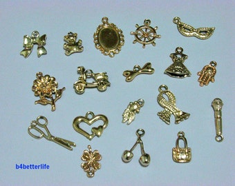 Lot of 18pcs Gold Color Plated Metal Charms. #chc102.